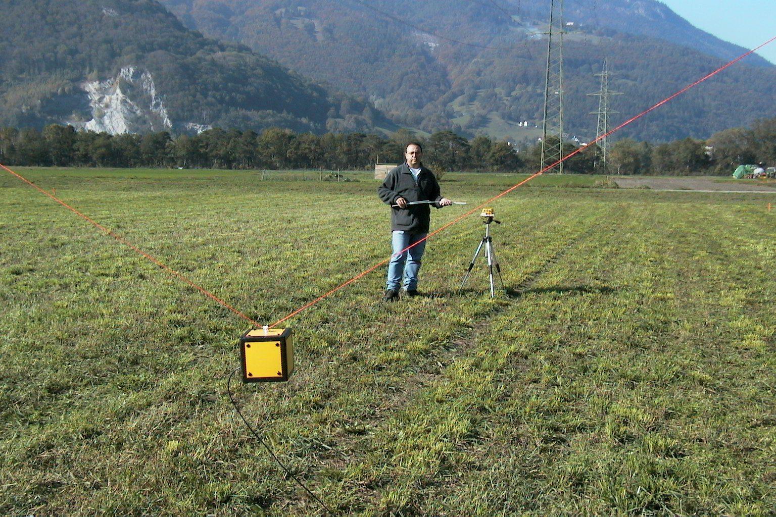 Capteur de mesure des intensités de champ