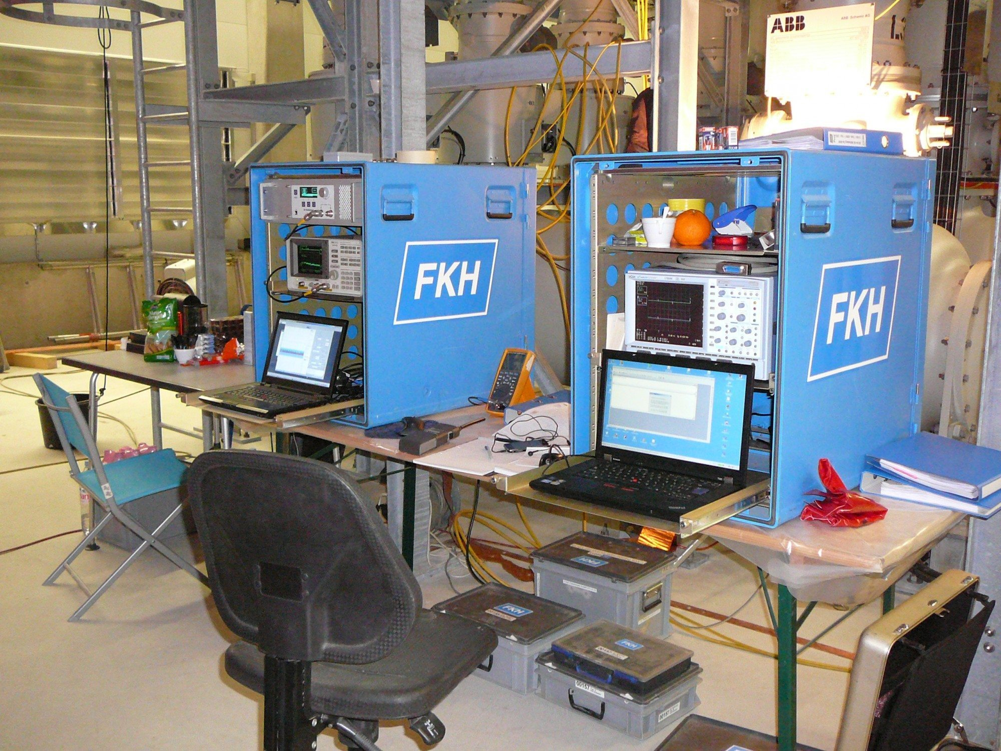 Multi-channel UHF partial discharge analyser